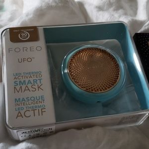 Foreo Makeup - Foreo UFO Smart Mask in Mint w/ Call It A Night